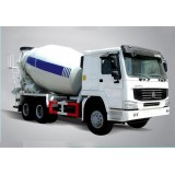 13 Tons 2 FUWA Axle, Cubic Meters Of Concrete Mixer Trucks With MechanicalSuspension